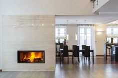 Do you love the appearance of modern linear gas fireplaces but don't want to deal with the cost of installation and operation? Modern Flames has the perfect solution for you! The Modern Flames Landscape Fullview Series Linear Electric Fireplace - 40 Aspen, Us Floors Coretec, Built In Electric Fireplace, Electric Fireplaces, Indoor Fireplaces, Gas Fireplaces, Bio Ethanol, Fireplace Doors, Fireplace Ideas