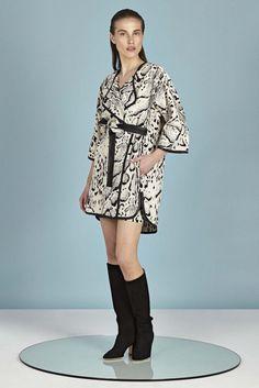 Tamara Mellon Resort 2016 Fashion Show High Fashion, Fashion Beauty, Fashion Show, Fashion Design, Fashion Trends, Autumn Winter Fashion, What To Wear, Kimono Top, Style Inspiration