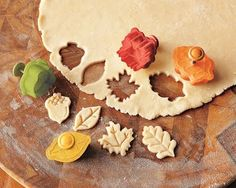 I love these fall forest pie cutters from Williams-Sonoma..They make me want to be a better pie maker. They had me when I saw they had an acorn and an oak leaf!