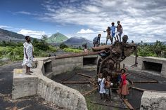 "The ""Japanese Gun"", a cannon at the narrow entrance of the Rabaul caldera bay. In the background you can see Tavurvur volcano.  More to see and read on my website:http://www.xflo.net/en/?p=843"