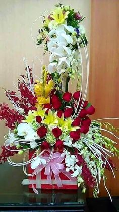 Things to Know about Deals on Valentine's Day Flowers Online Beautiful Flowers Pictures, Beautiful Flowers Wallpapers, Beautiful Rose Flowers, Flower Pictures, Amazing Flowers, Vintage Flower Arrangements, Creative Flower Arrangements, Beautiful Flower Arrangements, Happy Birthday Flowers Wishes