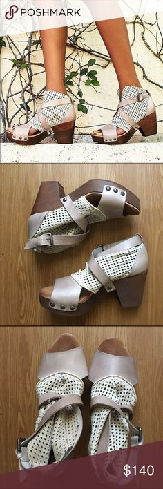 Free People Rendering Clog sz 38 Rendering FP clog in a size 38 in hard to find find white & pink color! I love these so much I just do not wear them as much as I'd like. Worn twice. In excellent condition. No swaps please Free People Shoes