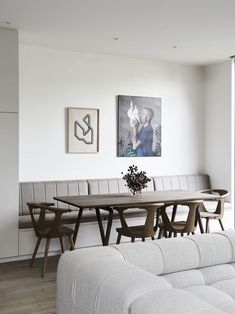 by Robson Rak Architecture & Interiors - Australian Interior Design Awar. by Robson Rak Architecture & Interiors - Australian Interior Design Awards - # Dining Room Banquette, Banquette Seating, Dining Chairs, Dining Room With Bench, Dining Table, Room Chairs, Australian Interior Design, Interior Design Awards, Luxury Interior