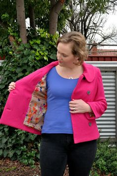 My beautiful fuchsia Anise jacket . I really enjoyed making this jacket. Nothing in this jacket is particularly difficul. Colette Patterns, Business Fashion, Sewing Projects, Sewing Patterns, Retro, How To Make, Bee, Jackets, British