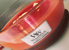 """Une soirée """"au coin du feu"""" avec notre bougie Ellipse à la crème d'Orange et aux notes de vanilles... 🍊🍊🍊 (📷 @lifestyle_labelle) ・・・ #ww#woodwick#candle#dreamsicle#daydream#orange#cracklesasitburns #orange #feu #bois #cheminee #cocooning #bienetre #beaute #soy #wax #soja #bougie #bougieparfumee #bougieaddict"""