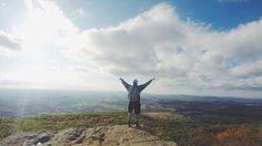A motivação é um processo ativo, intencional e dirigido a uma meta. O autoconhecimento é essencial para que saibamos o que nos move na vida. Saiba Mais!