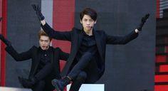 XD Sexy Wei (and Gyujin in the back 😏)  { #Gyujin #Wei #HanGyuJin #LeeSungJun #UP10TION #U10T #Honey10 #TOPMedia #Kpop }