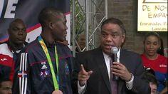 Ministro de Deportes regala vivienda a medallista de bronce Luis Pie