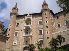 Di qua e di la: PALAZZO DUCALE DI URBINO (The Ducal Palace of Urbino)