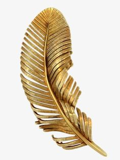 I've got a golden feather. Bronze, Mode Poster, Gold Everything, Or Noir, Gold Aesthetic, Gold Feathers, Shades Of Gold, Stay Gold, Gold Fashion