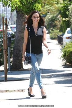 Jessica Lowndes out running errands in West Hollywood pictures Hollywood Pictures, Hollywood Photo, West Hollywood, Ripped Jeans, Skinny Jeans, Jessica Lowndes, Nice Curves, Beastie Boys, Cannes Film Festival