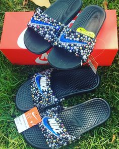 Customize your own sandals with a SprinkleMyFeet birthday party! Nike Flats, Nike Slippers, Nike Sandals, Custom Jordans, Princess Makeup, Shoe Boots, Shoes Heels, Fresh Kicks, Custom Shoes
