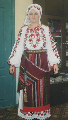 Народные молдавские костюмы