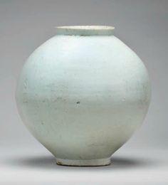 A Large White Porcelain Jar, Joseon dynasty, century - Alain. Antique Pottery, Ceramic Pottery, Pottery Art, Ceramic Art, Fine Porcelain, Porcelain Ceramics, Painted Porcelain, Porcelain Jewelry, Korean Pottery