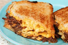The Texan Grilled Cheese Sandwich - sweet honey bbq pulled pork, mac and cheese, cheddar and Texas Toast. YUM! Click for more delicious comfort food recipes #grilledcheese #comfortfood #bbq #pulledpork
