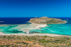 The Beautiful Gramvousa Island And The Balos Lagoon In Crete, Greece - Photography Creta Greece, Balos Beach, Places To Travel, Places To Visit, Zakynthos, Greece Photography, Crete Island, Famous Beaches, Le Havre