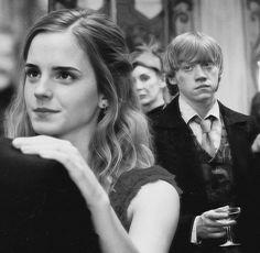 Hermione Granger e Ronald Weasley.
