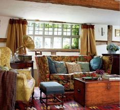 English cottage sitting room