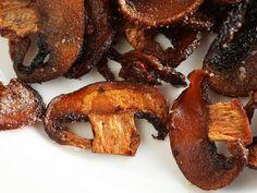 "Vegan: Crispy Smoked Mushroom ""bacon"" Very interesting cooking technique! Vegan Foods, Vegan Snacks, Vegan Vegetarian, Vegetarian Recipes, Healthy Recipes, Paleo, Portobello, Whole Food Recipes, Cooking Recipes"