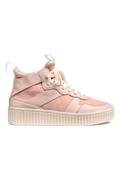 Powder pink. PREMIUM QUALITY. High tops in leather and suede with loop at front, loop at back, and lacing. Soft leg section with narrow elastication at top