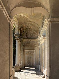 Cette villa abandonnée en Italie est une splendeur