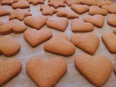 Mézes aprósütemény gyorsan, egyszerűen | Kössünk Lányok! Winter Food, Cookies, Crack Crackers, Biscuits, Cookie Recipes, Cookie, Biscuit