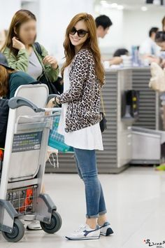Airport fashion by A-Pink