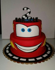 Torta cars cake - Toys for years old happy toys Bolo Toy Story, Toy Story Cakes, Car Themed Parties, Cars Birthday Parties, Fondant Figures, Lightning Mcqueen Cake, Disney Cars Birthday, Disney Cars Cake, Cakes For Boys