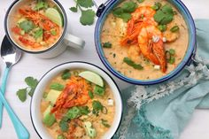 Shrimp and corn chowder {Locro de camarón y choclo}