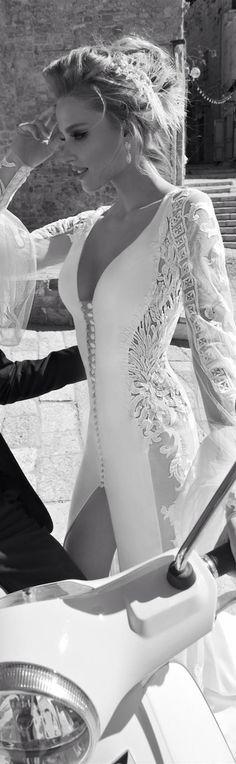 Galia Lahav Haute Couture com a coleção La Dolce Vita jaglady sexy fitting white long dress on lace sleeves, fabric covered buttons wedding dress, Couture Mode, Couture Fashion, 2015 Wedding Dresses, Wedding Gowns, Bridal Dresses, Civil Wedding, Glamour, Vestido Dress, Fashion Mode