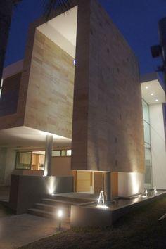 Casa en valle real por Creato Arquitectos