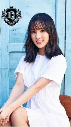 Eunha from Gfriend welcomes Salathai Massage Kpop Girl Groups, Korean Girl Groups, Kpop Girls, Euna Kim, Short Bangs, G Friend, Soyeon, Girl Bands, Beautiful Asian Girls