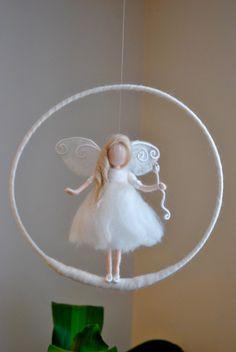 Cumpleaños regalo /Nursery móvil pared colgante hada: por MagicWool