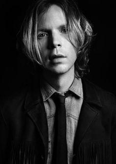 Beck, nuevo rostro para Yves Saint Laurent