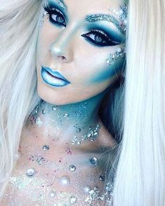 n fantasy-makeup-ideas-blue-ombre-lips-snow-ice-queen-sparkly-crystals-halloween. n fantasy-makeup Halloween Makeup Looks, Halloween Make Up, Halloween Fairy, Mermaid Halloween Makeup, Halloween Ideas, Halloween Costumes, Halloween Makeup Glitter, Beautiful Halloween Makeup, Halloween Queen