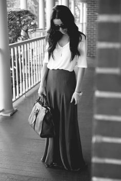 <3 nothing is quite so timeless as dark glasses, long hair, a white tshirt, big purse and a long skirt............also I am totally drawn to the sweetness and vulnerability of this look.