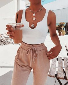 """Talia on Instagram: """"Coffee run: one iced strawberry latte w/decaf coffee please☕️🍓"""" Stylish Outfits, Fashion Outfits, Fashion Looks, Types Of Fashion Styles, Spring Outfits, Lounge Wear, Ideias Fashion, Trends, How To Wear"""