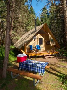 No more roughing it in the bush. Embrace the art of gl&ing u2013 a luxurious & oTentik tent - Crédit photo : Parcs Canada | Glamping | Pinterest ...