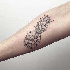 I totally forgot to post this fancy Pineapple Arm Tattoos, Love Tattoos, Beautiful Tattoos, Tatoos, Piercing Tattoo, Piercings, Pinapple Tattoos, Hawaii Tattoos, Matching Tattoos