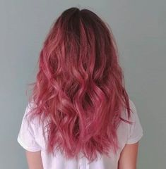 Dark Pink Hair, Pink Ombre Hair, Hair Color Purple, Hair Dye Colors, Cool Hair Color, Dark Blonde, Dyed Hair Pink, Brown And Pink Hair, Long Pink Hair