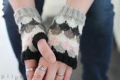 p i i p a d o o: Vielä ihania Handmade Design, Fingerless Gloves, Arm Warmers, Hand Knitting, Knitwear, Knit Crochet, Big Project, Projects, Diy