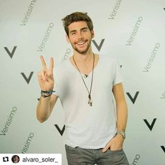#AlvaroSoler  @alvarosolermusic #ElMismoSol  #Verissimo  @verissimotv #Canale5  Milan, 17/10/2015 Invite Your Friends, Sexy Men, Magazines, Milan, Join, Handsome, Faces, Group, This Or That Questions