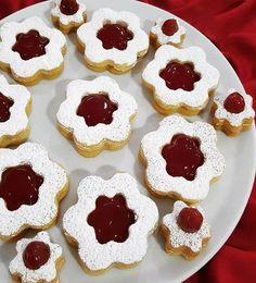 5 çaylarınızı güzel vişne tadıyla size eşlik edecek muhteşem tadıyla gönüllerinizi feth edecek nefis bir kurabiye