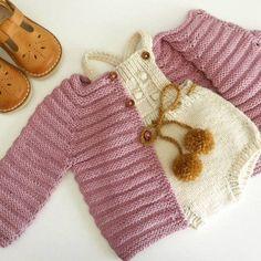 Chaqueta de bebé punto de cardigan - merino baby knit cardigan - suéter handknit - hechas a mano recién nacido - bebé - recién nacido tejido de punto Baby Sweater Knitting Pattern, Knitted Baby Cardigan, Hand Knitted Sweaters, Baby Sweaters, Baby Knitting Patterns, Cardigan Bebe, Baby Vest, Knitting For Kids, Free Knitting