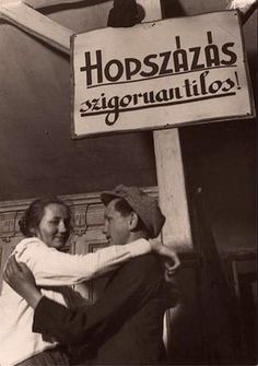 Hopszázni tilos! History Photos, Weird Art, Cool Posters, Illustrations And Posters, Vintage Posters, Retro Posters, Time Travel, Hungary, Budapest