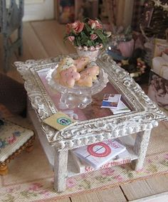 Miniature Christmas Cookies. Love the table,maybe use a small picture frame and add wood bits/beads for legs.