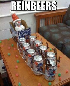 And what before my eyes should appear, but Santa Claus and his 9 12oz cans of Reinbeer...xmas gift for the men?