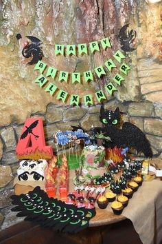 #howtotrainyourdragon #birthday #birthdayparty #partytime #partyideas Dragon Party, How Train Your Dragon, Party Time, Birthday Parties, Halloween, Decor, Anniversary Parties, Decorating, Dekoration