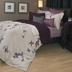 Gorgeous purple and gray bedding set. For when Si ruins the one I have now