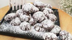 Mit extra viel Schokolade und Zimt verfeinert kreiert ihr diese leckeren Schneebälle ganz einfach selbst. Die dürfen in keiner Plätzchendose fehlen!